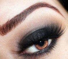 Unique Eye Makeup | Posted by ASH at 7:03 AM