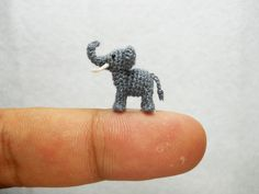 miniature-crochet-animals-by-su-ami-10-700x525