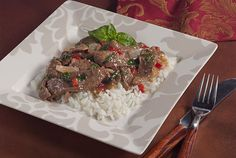 Spicy Basil Beef Stir-fry brings fresh flavor to your lunch or dinner. Enjoy the array of spices that make this kidney-friendly recipe special. Davita Recipes, Kidney Recipes, Diet Recipes, Healthy Recipes, Kidney Foods, Clean Eating, Healthy Eating, Healthy Kidneys, My Favorite Food