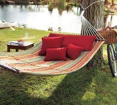 rede de descanso, vermelho, almofadas, campo, descansar. C de Cici