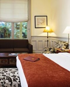 Also located in the Creek House, the Deluxe King with Sofa room accesses a wrap-around veranda. #Jetsetter  http://www.jetsetter.com/hotels/california/san-francisco/1377/mill-valley-inn?nm=serplist=11=image