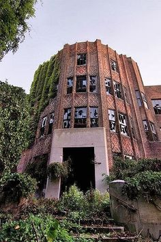North Brother Island, East River, New York City. Former hospital site, closed for good in 1963. It is now a bird sanctuary.
