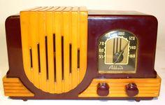 Bakelite radio by Addison