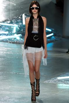 Rodarte Spring 2015 Ready-to-Wear Fashion Show - Dasha Denisenko