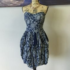 FRENCH CONNECTION Dress Perfect for a special occasion or a casual day out! can be dressed up or down French Connection Dresses Strapless