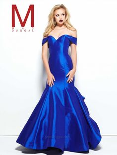 Be inspirational in a divine gown from Mac Duggal Black White Red. Your neck and bust look lovely with tapered off-shoulder traps and a sweetheart neckline. Royal Blue Prom Dresses, Prom Dresses 2016, Long Prom Gowns, Strapless Dress Formal, Evening Dresses, Formal Gowns, Glamorous Dresses, Elegant Dresses, Beautiful Dresses