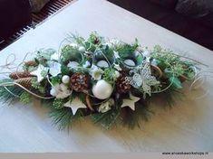 Christmas Flower Arrangements, Faux Flower Arrangements, Christmas Flowers, White Christmas, Christmas Lights, Christmas Holidays, Christmas Wreaths, Christmas Crafts, Christmas Decorations