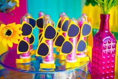 How about celebrating the birthday of the little ones with a pool party? - Kids Party: Enjoy the Hot Days to Organize a Fun Pool Party Aloha Party, Luau Party, Beach Party, Flamingo Party, Luau Pool Parties, Pool Party Kids, Hawaian Party, Moana Party, Barbie Birthday