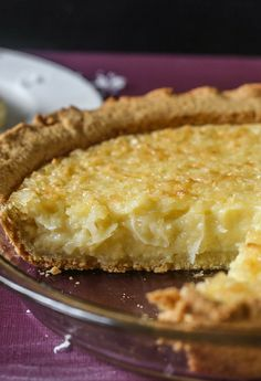A delicious old fashioned coconut custard pie sliced to show the delicious creamy coconut cream slice Coconut Pie Recipe Paula Deen, Old Fashioned Coconut Custard Pie Recipe, Best Custard Pie Recipe, Coconut Recipes Easy, Sweet Recipes, Fall Recipes, Pie Dessert, Dessert Recipes, French Coconut Pie