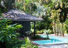 The Tropical Cottage: At Home in Coconut Grove 01