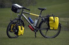 Google Image Result for http://3.bp.blogspot.com/_r7HCcWmV-7s/S9a4IjcCzAI/AAAAAAAABe8/yeXxR_HvoTo/s1600/bike-and-panniers.jpg