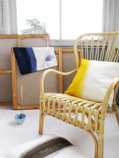 DIY dip dyed pillowcases (or as IKEA calls it, modern batiked) with turorial via the improvised life & Livet Hemma