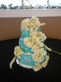 Tiffany blue with white hydrangeas wedding cake