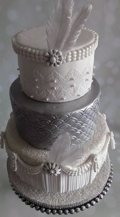 Learn how to make this runway ready cake in a step-by-step tutorial by Mark Desgroseilliers