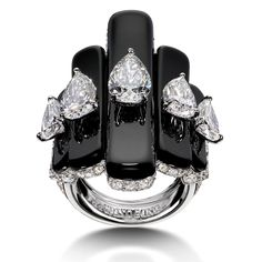 de GRISOGONO Love On The Rocks high jewellery white gold, white diamond and onyx ring