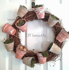 How to Make a Flower Pot Wreath with Moss www.diybeautify.com