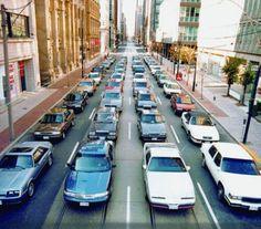 A powerful visual on traffic congestion (animated gif) - #cars #traffic #transportation