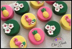 Tropical oreos Luau Theme, Hawaiian Theme, Luau Party, Tropical Cupcakes, Tropical Party, Flamingo Party, Flamingo Birthday, Magnum Paleta, Oreo Treats