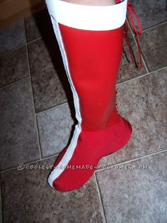 No Sew Wonder Woman Costume AWESOME tutorial. Lycra skate booties over sneaker - styrene greaves? Homemade Costumes, Diy Costumes, Costumes For Women, Cosplay Costumes, Costume Ideas, Woman Costumes, Cosplay Diy, Halloween Cosplay, Halloween Costumes