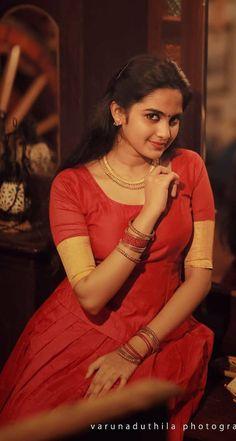 Beautiful Girl In India, Most Beautiful Indian Actress, Beautiful Actresses, Indian Natural Beauty, Indian Beauty Saree, Cute Beauty, Beauty Full Girl, Desi Girl Image, Brunette Beauty