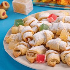 Romanian Desserts, Romanian Food, Bread Recipes, Cooking Recipes, Cuisines Design, Croissant, Food Design, Soul Food, Food Art