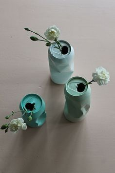 M annen flirte av meg når han kom heim etter jobb igår kveld. Eg kunne ikkje skjønne kvifor; eg sat jo berre der å målte dei tomme ø. Recycled Crafts, Diy And Crafts, Deco Floral, Diy Décoration, Pinterest Diy, Diy Candles, Diy Gifts, Diy Home Decor, Recycling