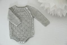 This little onesie was the first thing we put on our daughter after she was born, I wanted to create a piece of clothing that would keep her damp newborn body warm and comfortable in a nice and soft material.