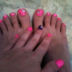 Painted my nails and toes finally