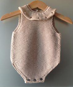 43 New Ideas For Baby Crochet Sleep Sack Ravelry Diy Crafts Knitting, Diy Crafts Crochet, Knitting Blogs, Knitting For Kids, Baby Knitting Patterns, Ravelry, Diy Romper, Crochet Lovey, Crochet Baby Sandals