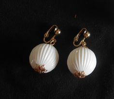 Vintage Sarah Coventry White Dangle Earrings by VintageVarietyFinds on Etsy