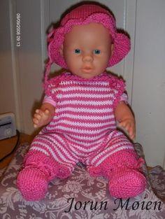 Sommerdress med lue og sokker til Baby Born.