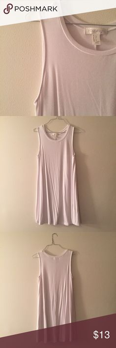 NWOT Forever21 white tshirt swing dress Super cute and like new white tshirt swing dress from Forever21. Worn once while in Florida and haven't worn since. In perfect condition. Dress is down with a pair of converse or up with wedges and a statement necklace Forever 21 Dresses Mini