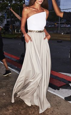 Brandon Maxwell Wide-Leg Pleated Pants for dinner outfit Brandon Maxwell Trunkshow Dinner Outfit Classy, Rehearsal Dinner Outfits, Classy Outfits, Chic Outfits, Summer Outfits, Casual Dinner, Woman Outfits, Wedding Rehearsal, Rehearsal Dinners