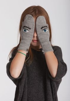OEUF NYC - Eyes mittens in brown