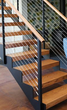 Mid–Century Modern Home Open Stairs - Pittsford, NY Staircase Railing Design, Interior Stair Railing, Modern Stair Railing, New Staircase, Home Stairs Design, Metal Stairs, Stair Handrail, Floating Staircase, Exterior Stairs