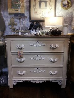 Lady Butterbug: Chalk Paint® Dresser Makeover