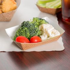 Easily serve a wide variety of tasty finger foods, freshly made sides, and signature snacks with this Southern Champion 561 #40 hearthstone paper food tray. Versatile in both design and use, the tray is great for french fries, chicken tenders, mozzarella sticks, and other popular fried favorites, or with cold items such as veggies, fruit, and pasta salad. One-piece SBS paperboard construction ensures sturdy and reliable use, while the open top design allows users to effortlessly top off…