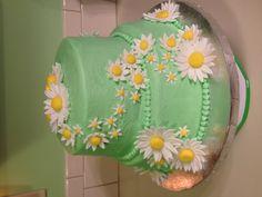 Daisy cake I did for my mom's birthday.