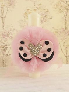 Lumanare botez pentru fetita Minnie. Dimensiune lumanare: 35 cm. Decorated Candles, Baptism Candle, Baby Outfits, Gabriel, Diy And Crafts, Projects To Try, Perfume Bottles, Easter, Drink