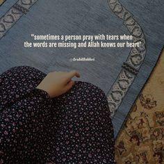 Beautiful Quran Quotes, Quran Quotes Love, Allah Quotes, Hindi Quotes, Quotations, Islamic Qoutes, Muslim Quotes, Islamic Inspirational Quotes, Love In Islam