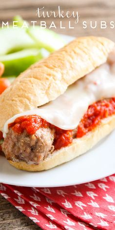 easy turkey meatball subs These turkey meatball subs are ready in under twenty minutes and so flavorful and delicious! Meatball Sub Recipe, Meatball Subs, Meatball Recipes, Sandwich Recipes, Lunch Recipes, Dinner Recipes, Dinner Ideas, Dinner Dishes, Main Dishes