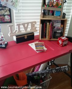 Krylon Pink Desk wit