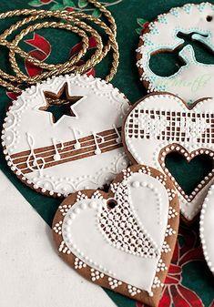 Valentine Cookies, Cupcake Cookies, Sugar Cookies, Christmas Cookies, Gingerbread Man, Gingerbread Cookies, Bolacha Cookies, Celebration Cakes, Royal Icing