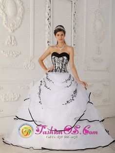 2013 Salinas Puerto Rico Simple Satin and Organza White Floor-length For Quinceanera Dress Sweetheart Ball Gown Wholesale Style QDZY320FOR