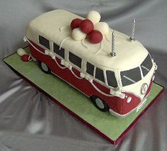 My father in-law would love! Camper Van Cake, Caravan Cake, Vw Camper, Campers, Bus Cake, Car Cakes, Cupcake Cakes, Vw Bus, Baseball Cakes