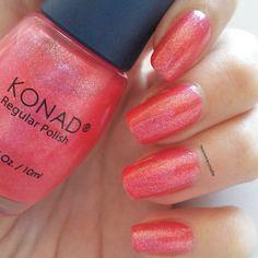 Que tal os está yendo el finde? Yo estoy tan liada que llevo sólo este color en las uñas es un rosa-coral con un montón de shimmer es un tono precioso muy difícil de fotografíar  #shimmer #nosinmiesmalte #nailswag  #nailpolish #nailsadict #mynails #belleza #polishgirl # #nailsspain #beauty  #barato #cutepolish #lowcost #naillacquer #fanpolish #fantasynails #konad #manicura #uñas #pinknails #onglesart #beautyblog  #beautyblogger #zaragozaisstyle #swatches#instanails #swatche #esmalte…