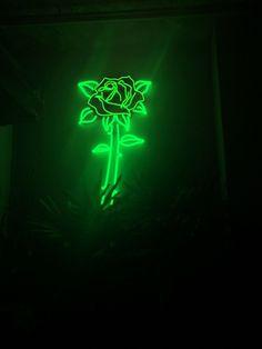 Green Aesthetic Tumblr, Dark Green Aesthetic, Rainbow Aesthetic, Aesthetic Colors, Flower Aesthetic, Wallpaper Iphone Neon, Aesthetic Iphone Wallpaper, Aesthetic Wallpapers, Trendy Wallpaper