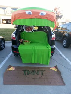 Did you say Trunk-or-Treat? Don't you mean Trick-or-Treat? Trunk-or-Treat is the spooky new craze where car owners decorate their car and bring Halloween Fashion Kids, Fashion Art, Holidays Halloween, Halloween Treats, Halloween Party, Halloween Costumes, Halloween Stuff, Happy Halloween, Haunted Halloween