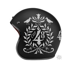 The French graphic design studio BMD has made use of typography to add a little style to some bike helmets. Inspired by American biker style. Moto Design, Hand Typography, Harley Davidson, Helmet Paint, Custom Helmets, Helmet Design, Pinstriping, Motorcycle Helmets, White Motorcycle