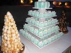 tiffany blue present wedding cake